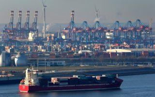 Το εμπόριο χρησιμοποιείται πλέον ως μέσον άσκησης πιέσεων από όλες τις πλευρές στη διεθνή πολιτική.