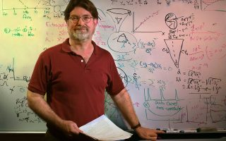 Ο αστροφυσικός Τζορτζ Σμουτ (Βραβείο Νομπέλ Φυσικής 2006) εμφανίστηκε σε ένα επεισόδιο της τηλεοπτικής σειράς «The Bing Bang Theory».