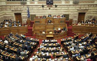 Με την παρουσία του, την περασμένη Πέμπτη, στη Βουλή ο κ. Τσίπρας κατέδειξε ότι θα επιμείνει στην τακτική της μετωπικής αντιπαράθεσης με τη Νέα Δημοκρατία, επενδύοντας και στη «σκανδαλολογία».
