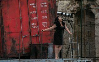 Η Κάρμεν της κορυφαίας σοπράνο Ανίτα Ρατσβελισβίλι είναι δυναμική και άγρια, μια αληθινά μοιραία γυναίκα.