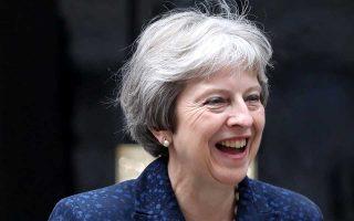 Η πρωθυπουργός της Μεγάλης Βρετανίας Τερέζα Μέι, λίγες ώρες μετά την παραίτηση των υπουργών της.