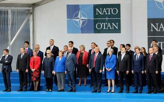 rigma-metaxy-tramp-kai-eyropaion-sti-synodo-toy-nato0