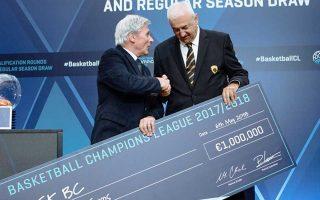 Tην επιταγή ενός εκατομμυρίου ευρώ για την κατάκτηση του περυσινού Τσάμπιονς Λιγκ παρέλαβε ο πρώην προπονητής και νυν τεχνικός διευθυ-ντής της ΑΕΚ, Ντράγκαν Σάκοτα, πριν από την κλήρωση των προκριματικών και των ομίλων της επόμενης διοργάνωσης.