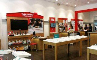 Η Vodafone αυξάνει το μερίδιο της κοντά 25% και εδραιώνεται στη Νο 2 θέση πίσω από τoν ΟΤΕ (μερίδιο 47,0%), ενώ διεύρυνε την απόστασή της από το δεύτερο που είναι η Wind και το οποία στο τέλος του 2017, είχε μερίδιο αγοράς 14,8%.