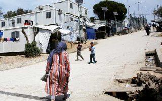 Σύμφωνα με στοιχεία της Υπατης Αρμοστείας του ΟΗΕ για τους Πρόσφυγες, το 21% του πληθυσμού των αιτούντων άσυλο στα νησιά είναι γυναίκες και το 31% παιδιά, εκ των οποίων τα 7 στα 10 είναι κάτω των 12 ετών.
