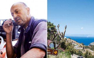 «Το καΐκι το 'χω 34 χρόνια – από τότε που απολύθηκα από φαντάρος. Εκεί έκλαψα, εκεί γέλασα, εκεί πόνεσα. Θα μπορούσες εσύ να το σπάσεις για τα φράγκα;», λέει στην «Κ» ο 54χρονος ψαράς Δημήτρης Κανιαρός, από την Πάτμο.