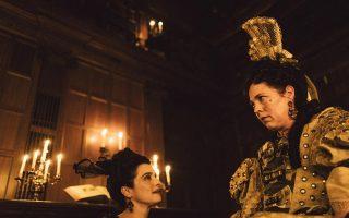 Η Ρέιτσελ Βάις και η Ολίβια Κόλμαν από τη νέα ταινία του Γ. Λάνθιμου.