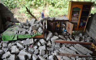 indonisia-ekatontades-oreivates-pagideytikan-se-ifaisteio-meta-apo-ton-ischyro-seismo0