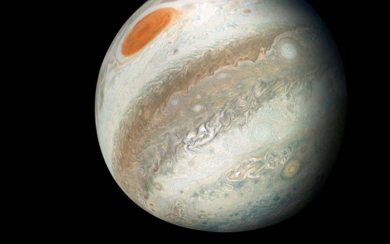 oi-astronomoi-anakalypsan-deka-nea-feggaria-gyro-apo-ton-dia-2262791