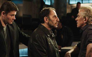 Τέσσερα χρόνια μετά το «Μικρό ψάρι», ο Γιάννης Οικονομίδης, στην πέμπτη ταινία του πια, βουτάει ξανά στο γκανγκστερικό κινηματογραφικό σύμπαν.