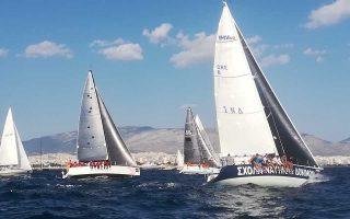 Η εκκίνηση από το Φάληρο δόθηκε χθες το απόγευμα, με τα σκάφη να πλέουν έχοντας ως πρώτο προορισμό την Αμοργό.