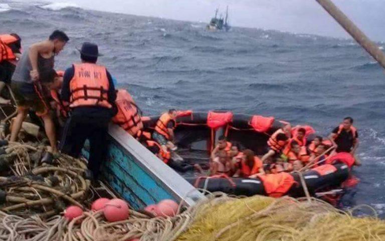 Ταϊλάνδη: Είκοσι αγνοούμενοι από τη βύθιση τουριστικού σκάφους κοντά στο Πουκέτ