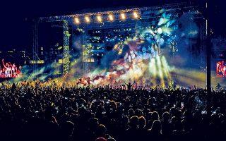 Στην πλατεία Νερού ο Σωκράτης Μάλαμας και ο Θανάσης Παπακωνσταντίνου συγκέντρωσαν 14.000 θεατές.