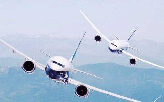 Τα εργοστάσια των Boeing και Airbus δουλεύουν με πυρετώδεις ρυθμούς, διότι τα τελευταία χρόνια έχουν αυξηθεί θεαματικά οι παραγγελίες για νέα αεροσκάφη, χάρη στη μεγάλη ανάπτυξη των αναδυόμενων αγορών και στην ανάγκη των αερομεταφορέων δυτικών χωρών να αναβαθμίσουν τον στόλο τους.