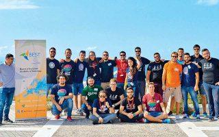Πίσω από το εγχείρημα βρίσκονται εθελοντές φοιτητές από το γραφείο του BEST Χανίων, το οποίο αποτελεί «παράρτημα» του μεγαλύτερου εθελοντικού φοιτητικού οργανισμού μηχανικών στην Ευρώπη, με χιλιάδες ενεργά μέλη.