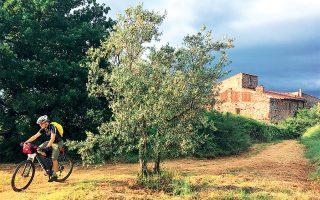 Ποδηλατώντας στις εξοχές του San Casciano in Val di Pesa, 15 χλμ. νοτιοδυτικά της Φλωρεντίας.  (Φωτογραφία: ΓΙΩΡΓΟΣ ΔΕΤΣΗΣ)