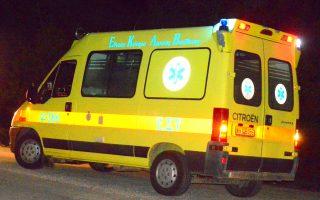 Το ασθενοφόρο που παρέλαβε τους τραυματίες μετά το τροχαίο ατύχημα που σημειώθηκε, τη Δευτέρα 12 Φεβρουαρίου 2018, στην οδό Νέας Κίου Άργους στο ύψος της στροφής του Ζαχαράκη λίγο έξω από το Άργος. Δύο οχήματα  συγκρούστηκαν πλαγιομετωπικά ένα ΙΧ αυτοκίνητο μάρκας Smart και  ένα ημιφορτηγό. Από την σύγκρουση τραυματίστηκαν δυο άτομα τα οποία μεταφέρθηκαν στο νοσοκομείο Άργους. Στο σημείο έσπευσε και η αστυνομία για την καταγραφή του τροχαίου ΑΠΕ-ΜΠΕ/ΑΠΕ-ΜΠΕ/ΜΠΟΥΓΙΩΤΗΣ ΕΥΑΓΓΕΛΟΣ