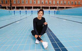 Η Γιούσρα σήμερα, σε πισίνα του Ολυμπιακού Πάρκου του Βερολίνου, νιώθει τη Γερμανία σαν δεύτερη πατρίδα. © REUTERS/Fabrizio Bensch
