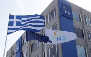 nd-tsipras-kotzias-diapragmateyontai-en-krypto-me-tin-alvania-na-enimerosoyn-amesa-ti-voyli0