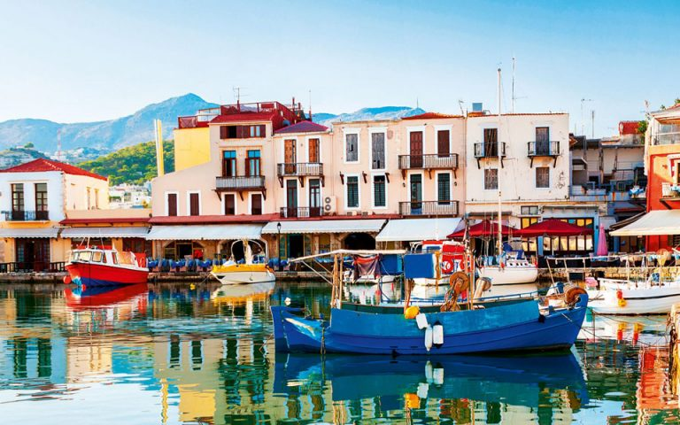 Κρήτη: Ο γύρος του νησιου σε 14 ταβέρνες