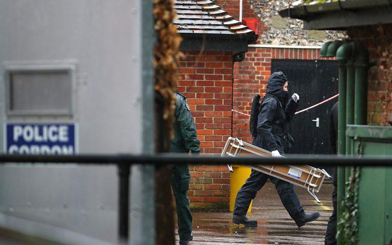 Βρετανία: Aστυνομία έξω από το εστιατόριο όπου γευμάτιζαν οι Σκριπάλ πριν δηλητηριαστούν