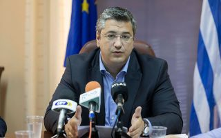 """«Οι προσωπικές επιθέσεις και ο διχαστικός λόγος είναι μια πάγια τακτική της κυβέρνησης ΣΥΡΙΖΑ. Το ίδιο κάνει και τώρα στο ζήτημα των Σκοπίων, όπου αντί να υπερασπίζεται τη """"συμφωνία"""" της, η κυβέρνηση πολεμάει όποιον διαφωνεί μαζί της», λέει ο περιφερειάρχης Κεντρικής Μακεδονίας."""