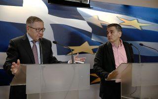 Ο Κλάους Ρέγκλινγκ τόνισε ότι ο ESM θα εκταμιεύσει τα 15 δισ. ευρώ μόλις ολοκληρωθούν όλες οι εθνικές διαδικασίες, ενώ εξέφρασε τη βεβαιότητα ότι η Ελλάδα θα καταφέρει να αποπληρώσει τα χρήματα που έχει δανειστεί.