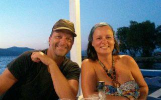 Ο Ραλφ και η Μάρεν, ζώντας για ένα χρόνο σε τροχόσπιτο στη Λέσβο, βίωσαν την αλλαγή που επιζητούσαν εδώ και καιρό.