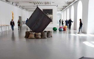 Ενα μεγάλο μέρος της μόνιμης συλλογής του ΕΜΣΤ εκτέθηκε στο πλαίσιο της documenta 14 στο Κάσελ.