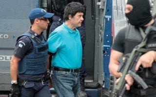Ο πολυϊσοβίτης Χριστόδουλος Ξηρός βρίσκεται πλέον από χθες στη φυλακή Χαλκίδας, η οποία είναι κλειστού τύπου.