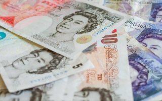 Εναντι του δολαρίου η λίρα υποχωρούσε χθες κατά 0,45%, στο 1,2886. Τελευταία φορά που η στερλίνα είχε πέσει κάτω από το 1,29 ήταν στις 31 Αυγούστου 2017.
