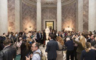 Εκθεση με συλλογές από το Μουσείο Ακρόπολης στο Μουσείο Ερμιτάζ στην Αγία Πετρούπολη, τον Απρίλιο του 2016, με αφορμή το «Ετος Ελλάδας στη Ρωσία». Εκτοτε, πολλά έχουν αλλάξει στις σχέσεις των δύο χωρών.
