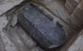 ti-apokalyptoyn-oi-protes-analyseis-tis-granitenias-sarkofagoy-tis-alexandreias0