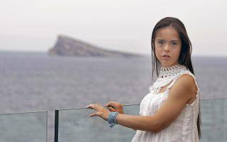 Σπάζοντας τα πρότυπα. Η εικονιζόμενη Ισπανίδα Marian Avila,21 ετών είναι το πρώτο μοντέλο με σύνδρομο Down που θα συμμετάσχει στην εβδομάδα μόδας της Νέας Υόρκης, κάνοντας το όνειρό της πραγματικότητα και αλλάζοντας τα πρότυπα ομορφιάς για πολλούς από εμάς. EPA/MANUEL LORENZO