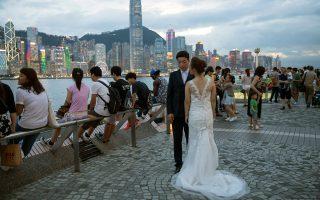 Πήγε να σπουδάσει και παντρεύτηκε έναν εντελώς άγνωστό της. Αυτά καταγγέλλει νεαρή γυναίκα από το Χονγκ Κονγκ που έπεσε θύμα απάτης.