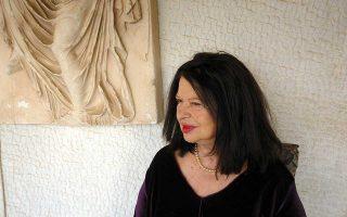 Η πιανίστρια Ντόρα Μπακοπούλου είναι η διευθύντρια του Διεθνούς Μουσικού Φεστιβάλ της Αίγινας.