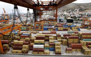 Η Ελλάδα ενίσχυσε την παρουσία της στη γειτονική χώρα δεδομένου ότι η αξία των ελληνικών εξαγωγών προς την Τουρκία ανήλθε στο ποσόν του 1,95 δισ. ευρώ, καταγράφοντας αύξηση της τάξεως του 44,4% το 2017.