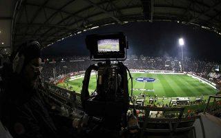To ποδοσφαιρικό τηλεοπτικό τοπίο αλλάζει στην Ευρώπη, καθώς η Facebook και η Amazon απέκτησαν δικαιώματα προβολής αγώνων, ενώ η Google και η Disney έχουν έρθει σε συμφωνία με την εταιρεία E-Sports για «ζωντανές» μεταδόσεις βιντεοπαιχνιδιών.