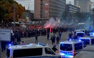 Περιπολικά έχουν αναπτυχθεί κοντά στην ακροδεξιά διαδήλωση που πραγματοποιήθηκε προχθές το βράδυ στην πόλη της Σαξονίας.