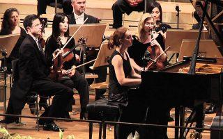 Η πιανίστρια Βαρβάρα Νεπομνιάστσαγια απέδωσε δυναμικά το Πρώτο Κοντσέρτο για πιάνο του Τσαϊκόφσκι.