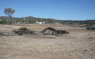 Ο δήμος υποστηρίζει ότι στόχος του ήταν να καθαρίσει τα πεταμένα μπάζα.