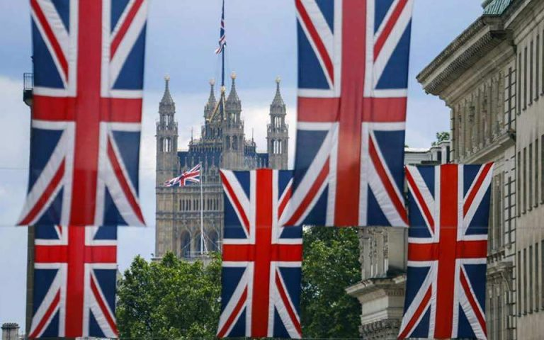 Η Βρετανία παραδέχεται ότι βρίσκεται στο έλεος των Βρυξελλών
