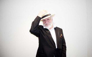 Με τραγούδια από όλη τη μουσική του πορεία, ο Διονύσης Σαββόπουλος εμφανίζεται στο Ναύπλιο.