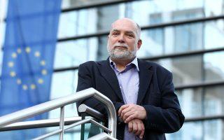 «Δεν υπάρχει λόγος να πιστεύουμε ότι η Ελλάδα θα χρειαστεί νέο πρόγραμμα. Είμαι σίγουρος ότι οι πολιτικοί γνωρίζουν τι χρειάζεται όσον αφορά τις πολιτικές και την επικοινωνία τους», λέει ο κ. Βίζερ.