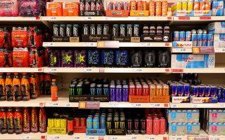 Το ενδεχόμενο να απαγορευτούν τα ενεργειακά ποτά για τα παιδιά εξετάζει η Βρετανία, τη στιγμή που η Ν. Κορέα απαγόρευσε τον καφέ στα σχολεία.