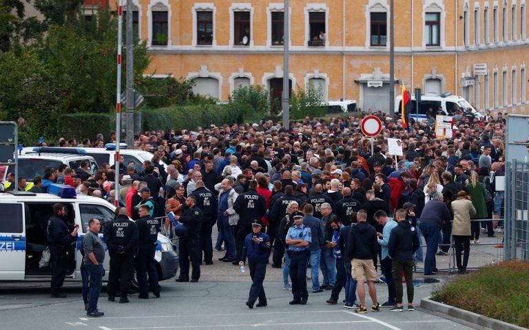 Γερμανία: Τεταμένη η ατμόσφαιρα στη διαδήλωση της ακροδεξιάς στο Κέμνιτς