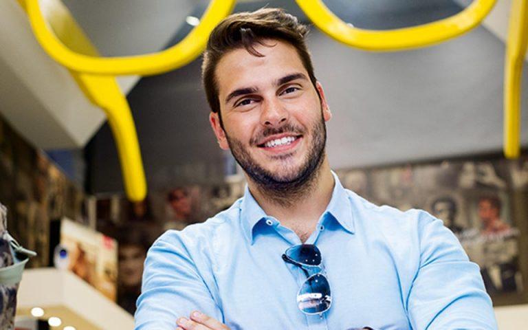 Ένας Ελληνοαμερικανός μάς βάζει τα γυαλιά
