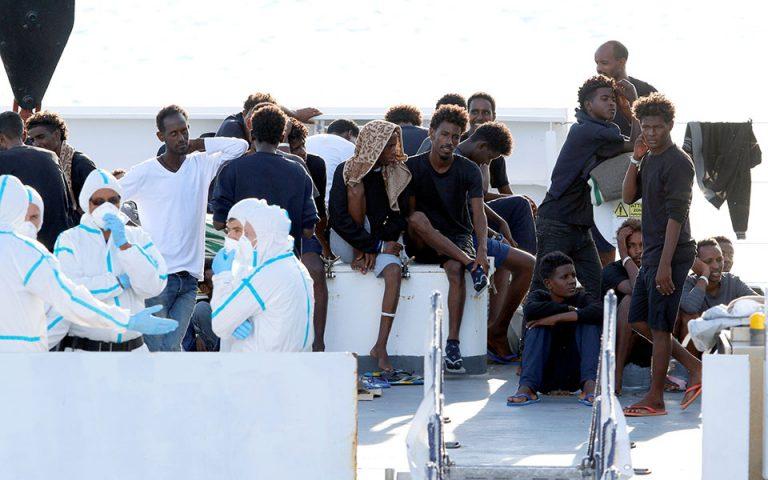 Στα άκρα η κόντρα Ιταλίας – Ε.Ε. για τους πρόσφυγες