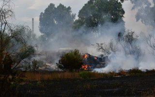 Πυρκαγιά εκδηλώθηκε στην παραλιακή οδό Ναυπλίου Νέας Κίου, το Σάββατο 25 Αυγούστου 2018. Η πυρκαγιά ξέσπασε από άγνωστη μέχρι στιγμής αιτία ανάμεσα στην Ένωση Αγροτικών Συνεταιρισμών  Αργολίδας και του καπιταλισμού των Ρομά που βρίσκεται στην περιοχή. Η φωτιά έκαψε καλαμιές και αλμυρίκια ενώ κινδύνεψε και ο καταυλισμός των Ρομά. Στο σημείο επιχείρησαν δυνάμεις της πυροσβεστικής από το Ναύπλιο και το Άργος.  ΑΠΕ-ΜΠΕ /ΑΠΕ-ΜΠΕ/ΜΠΟΥΓΙΩΤΗΣ ΕΥΑΓΓΕΛΟΣ