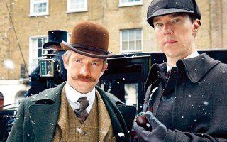 Μάρτιν Φρίμαν ως Γουότσον, και Μπένεντικτ Κάμπερμπατς ως ο δαιμόνιος ντετέκτιβ, στην πολύ επιτυχημένη σειρά του BBC «Sherlock».